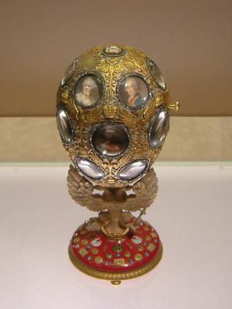 Romanov_Tercentenary_Egg-2